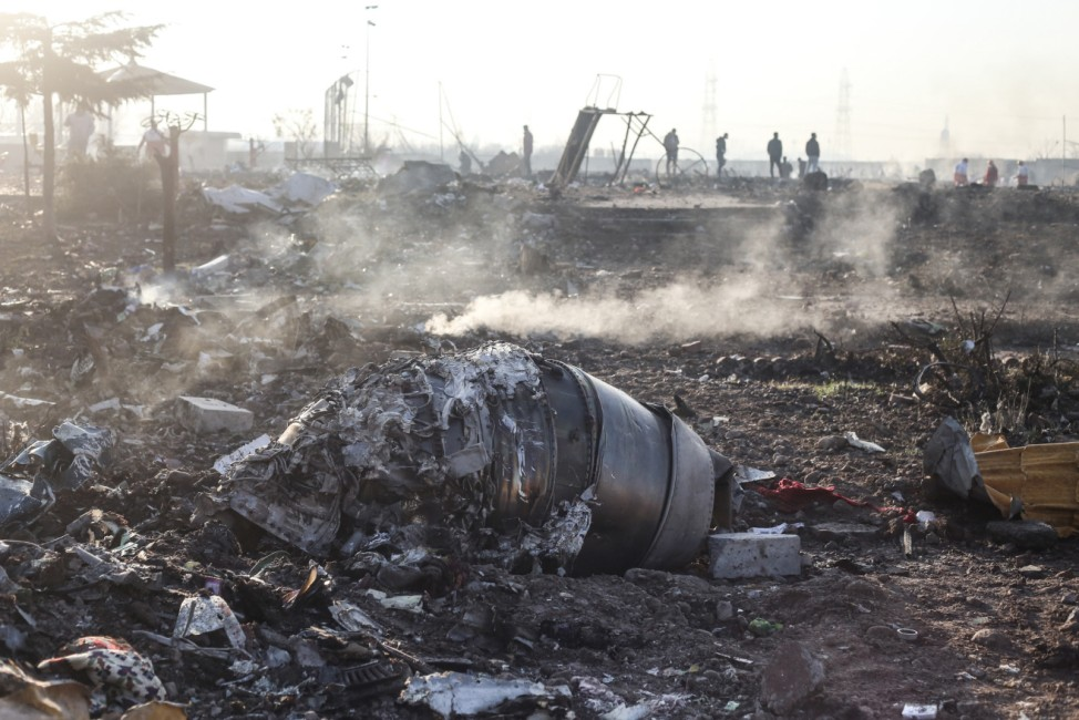 Iran: Passagierflugzeug nahe Teheran abgestürzt
