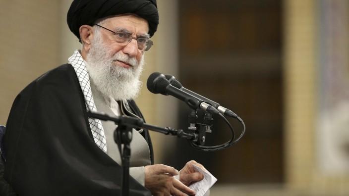 Raketenangriffe auf Stützpunkte im Irak - Ajatollah Ali Chamenei