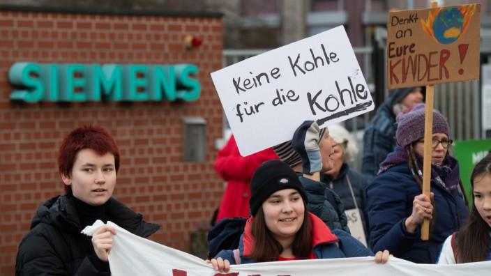 Hannover: Fridays for Future protestiert gegen Siemens