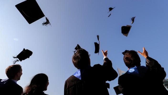 Nur wenige Fachhochschul-Absolventen streben nach dem Doktortitel