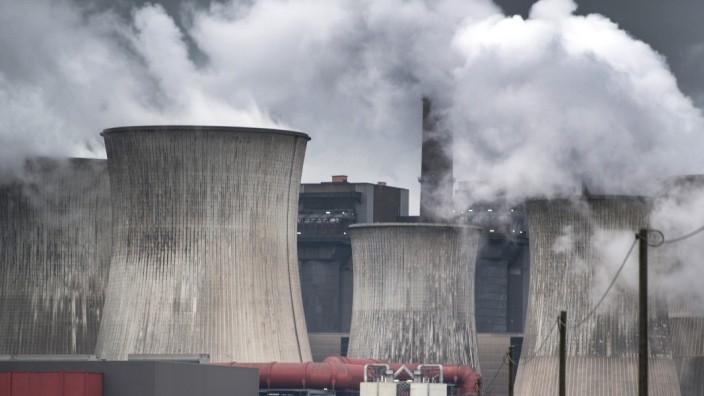 Braunkohlekraftwerk Niederaußen bei Köln