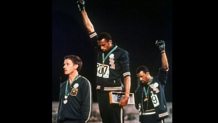 Olympia: Politische Proteste wie die von Tommie Smith (Mitte) und John Carlos (rechts) 1968 will das Internationale Olympische Kommitee (IOC) dieses Jahr in Tokio nicht sehen.