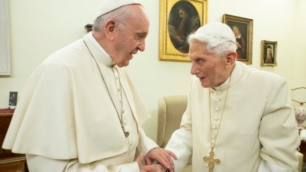 Ex-Papst Benedikt warnt: Zölibat darf nicht aufweichen