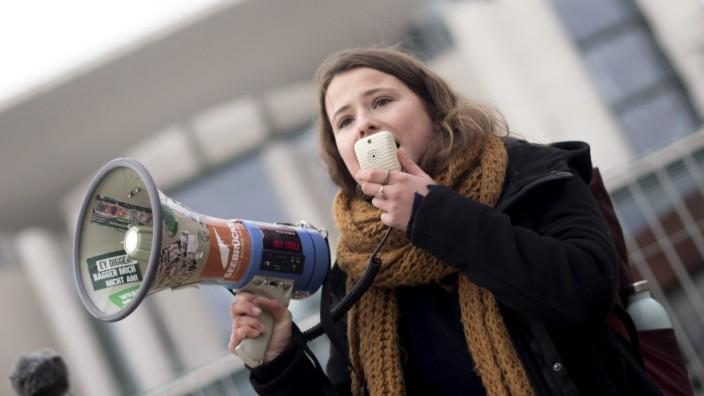 Klimaschutz: Luisa Neubauer bei einer Kundgebung im November 2019