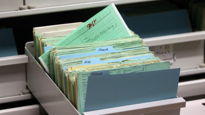 Bundespräsident Steinmeier besucht Stasi-Unterlagen-Archiv