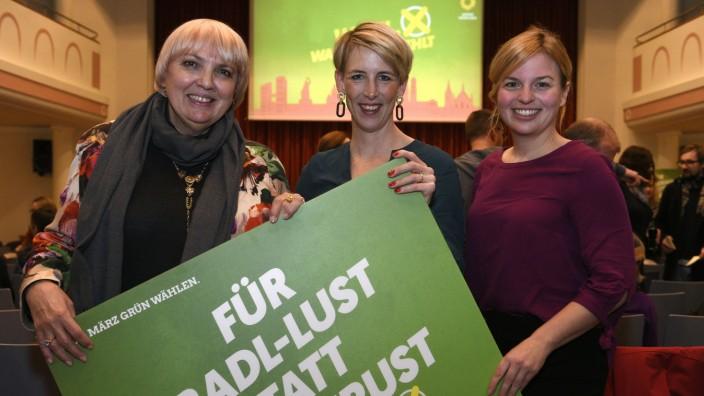 Claudia Roth und Katharina Schulze unterstützen Katrin Habenschaden im Kommunalwahlkampf in München, 2020