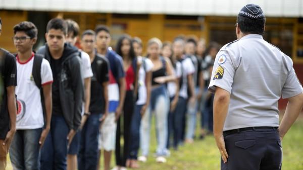 Militarisierte Schule in Brasilien