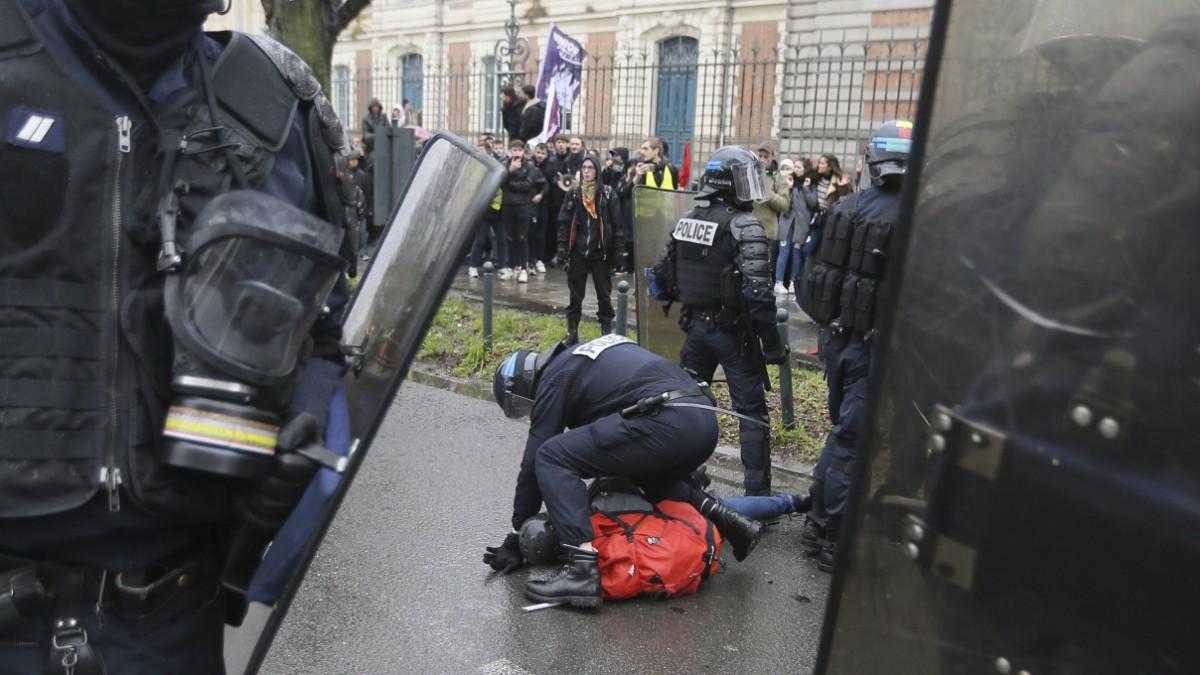 Frankreich hat ein Problem mit Polizeigewalt