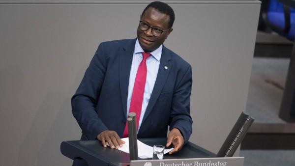 KarambaDiaby (SPD) spricht im Deutschen Bundestag