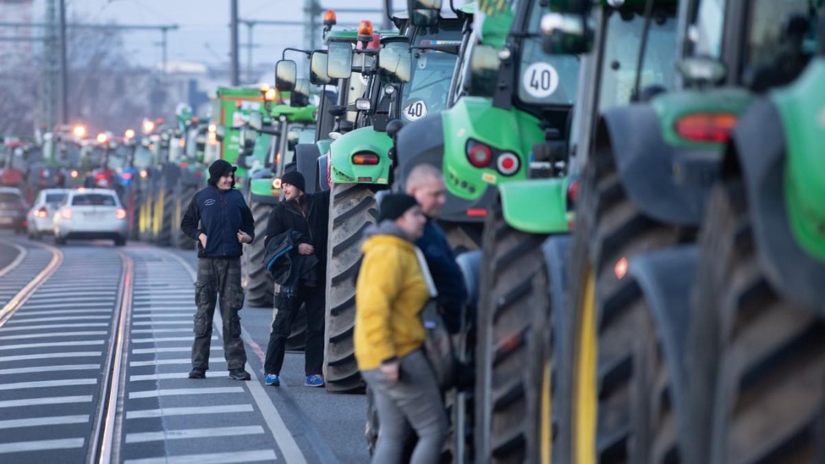 Grüne Woche in Berlin - Streit um Umweltschutz