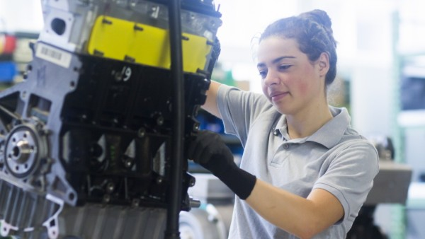 block heat and power plant engineer female Germany, Lower Saxony, Hanover PUBLICATIONxINxGERxSUIxAUTxONLY CR_SIGO191022D