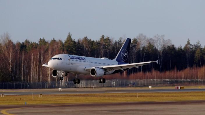 Lufthansa Airbus A319-100 plane D-AILD approaches Riga International Airport in Riga