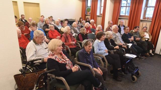 Spende der Josef-Kiener-Stiftung: Finanzielle Unterstützung für das Friedrich-Meinzolt-Haus leistet jedes Jahr die Josef-Kiener-Stiftung.