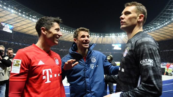 FC Bayern: Thomas Müller, Robert Lewandowski und Manuel Neuer nach dem Spiel gegen Hertha BSC Berlin