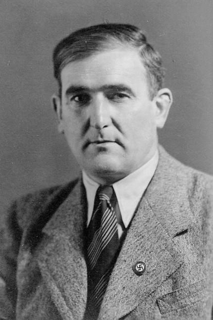Oberbayern: Bereits seit 1933 gehörte Ruhdorfer der NSDAP an. Am Revers trägt er das Parteiabzeichen.