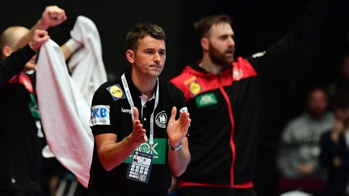 Handball-EM 2020: Bundestrainer Prokop beim Spiel Österreich gegen Deutschland
