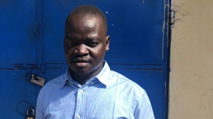 """Lonyik Samuel Jimmy, Bierbrauer aus dem Süd-Sudan, Foto: Bernd Dörries"""