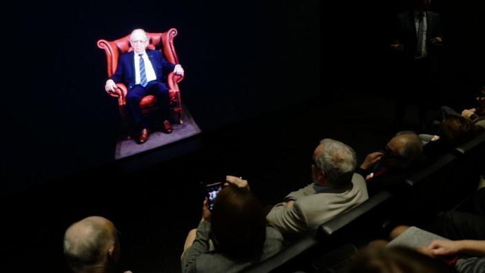 Holocaust-Gedenken: Lebendige Erinnerung: Abba Naors virtuelles Ich antwortet Neugierigen auf hunderte von Fragen - mittels Spracherkennungssoftware.