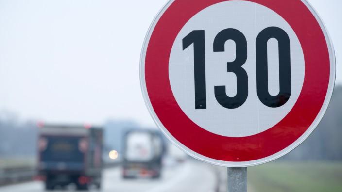 Tempolimit: 130-Schild auf A24 in Mecklenburg-Vorpommern