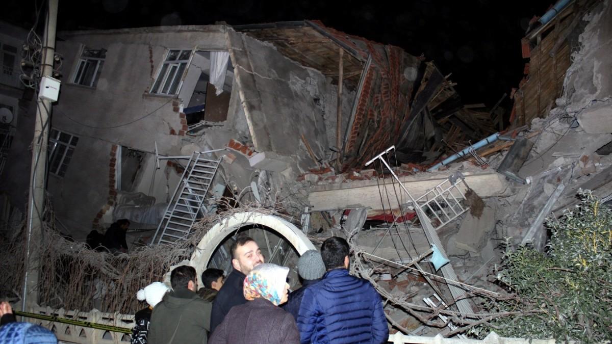 Tote bei schwerem Erdbeben in Osttürkei