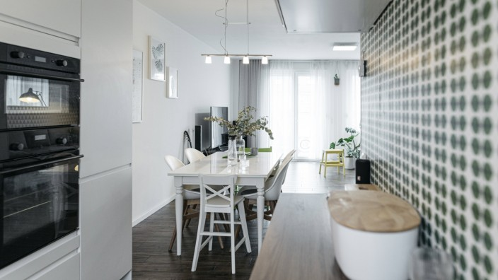 Modern open plan kitchen property released PUBLICATIONxINxGERxSUIxAUTxHUNxONLY KMKF01189