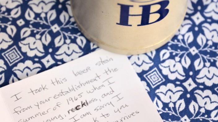 Amerikanerin schickt gestohlenen Maßkrug nach 55 Jahren zurück