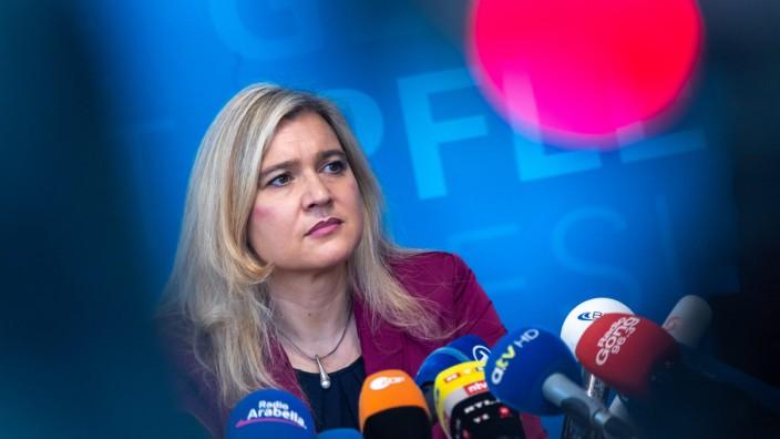 Coronavirus in Bayern - Gesundheitsministerin Melanie Huml
