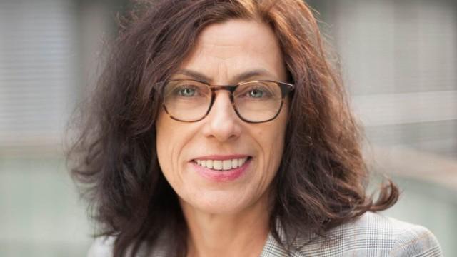 Dr. Karola Fings, Historikerin und Stellvertretende Direktorin vom NS-Dokumentationszentrum Köln. Seit 2019 Mitglied der der Expertenkommission des Bundestags zum Thema Antiziganismus in Deutschland.