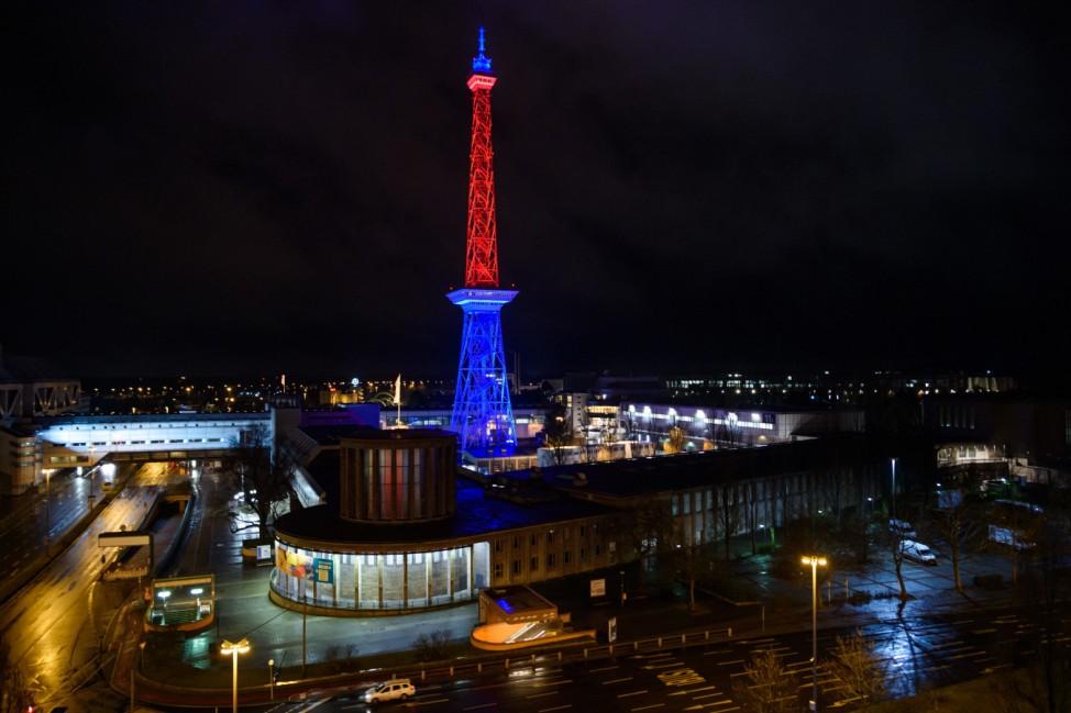 Berliner Funkturm leuchtet zu Brexit