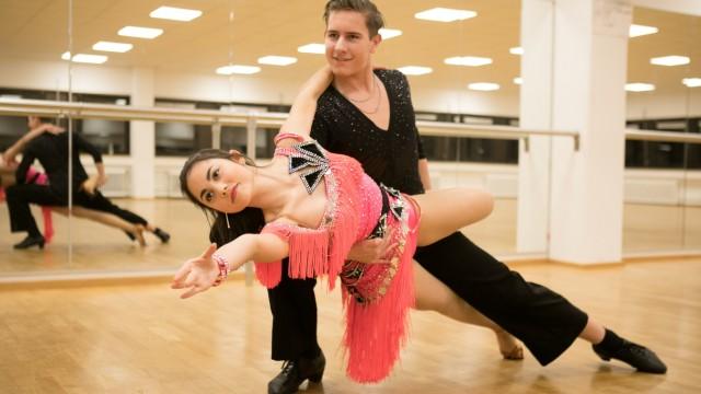 Tänzer-Paar Tim Traulsen und Annalena Karaman im Tanzclub TTC in München (Pasing)