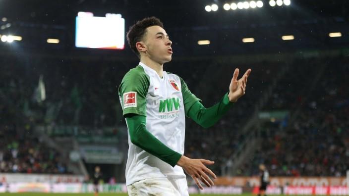 Torjubel von Ruben Vargas 16 (FC Augsburg) zum 2:1, FC Augsburg vs. SV Werder Bremen, Fussball, 1.Bundesliga, 01.02.202