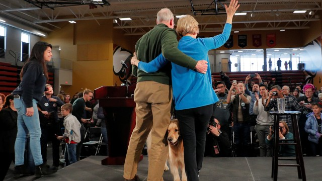 Democratic 2020 U.S. presidential candidate Warren holds a Get Out the Caucus Rally in Cedar Rapids
