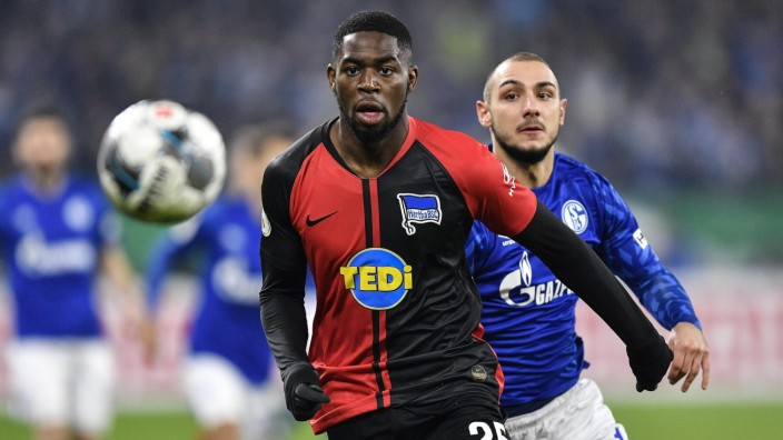 Hertha BSC: Jordan Torunarigha beim DFB-Pokal 2020 gegen Schalke 04