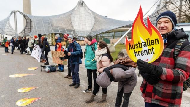 Klima-Proteste vor der Siemens-Hauptversammlung 2020