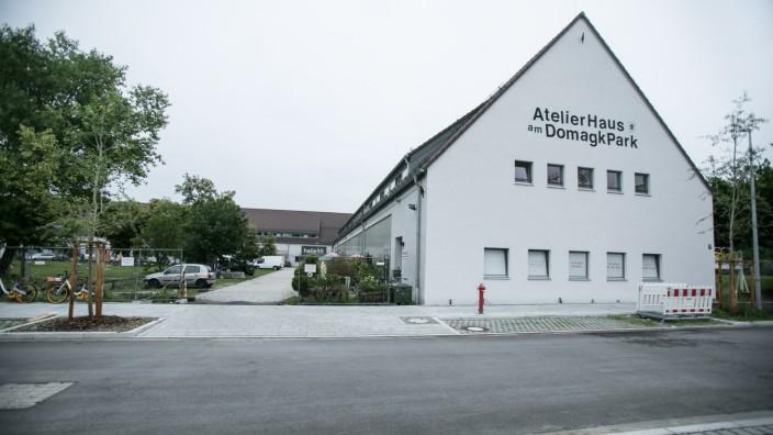 Domagk-Ateliers, Domagkpark Außengelände