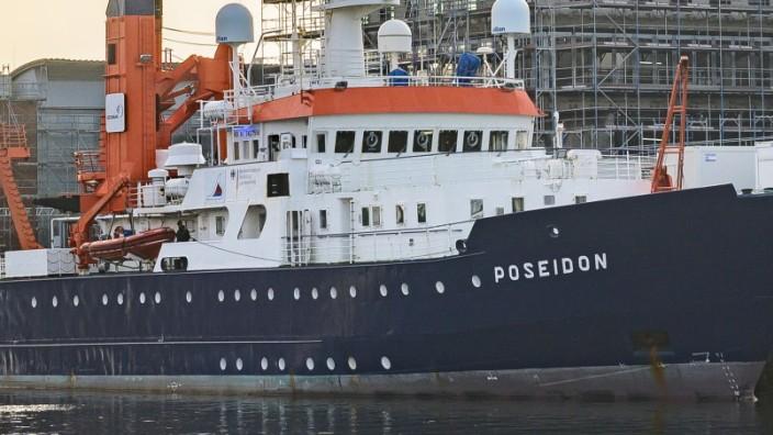 Kirchliches Buendnis kauft Forschungsschiff fuer Seenotrettung