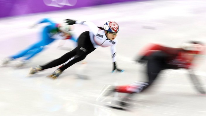 GANGNEUNG SOUTH KOREA - FEBRUARY 20 2018 Shim Suk hee C of South Korea competes in a ladies' 3