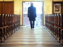 Leserdiskussion: Was muss sich in der katholischen Kirche ändern?