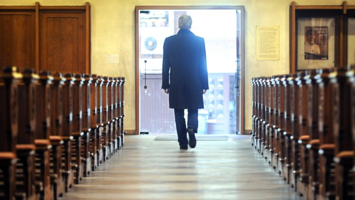 Kirchenaustritte Katholische Kirche Personalmangel
