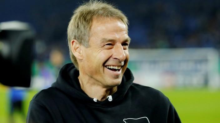 FILE PHOTO: DFB Cup - Third Round - Schalke 04 v Hertha BSC