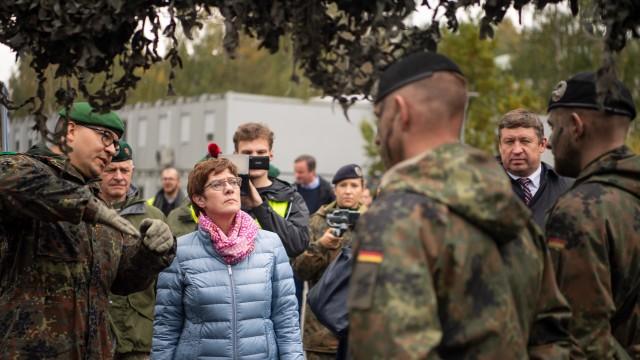Verteidigungsministerin reist in die baltischen Staaten