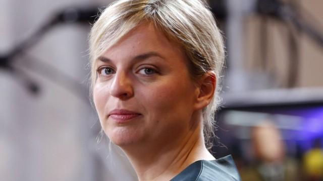 Ein Bild aus 2018: Katharina Schulze von den Grünen beim Fernsehinterview in München