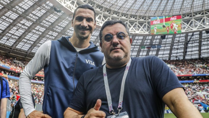 L R Zlatan Ibrahimovic players agent Mino Raiola during the 2018 FIFA World Cup WM Weltmeistersc