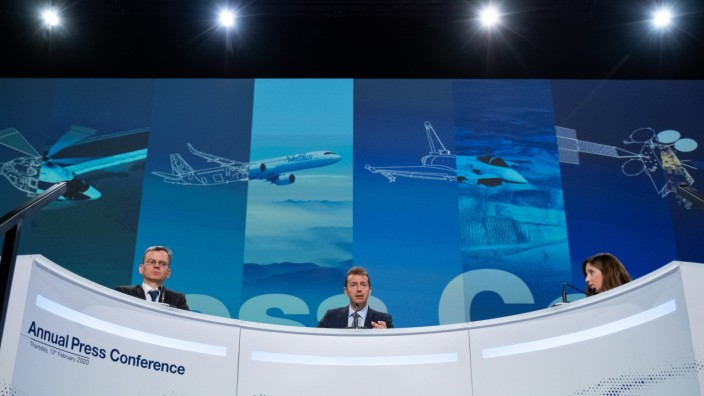 Airbus SE Lifts Delivery Target With Boeing Co. Gripped by Max Crisis