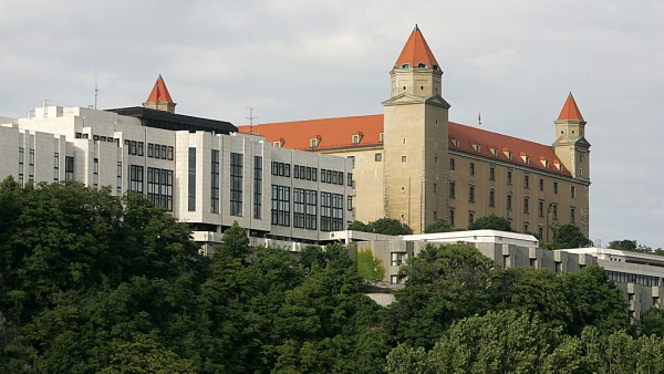Parlament und Burg in Bratislava, 2006