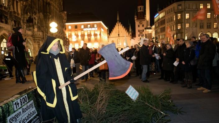 Demo gegen Kiesabbau in Forst Kasten am Marienplatz