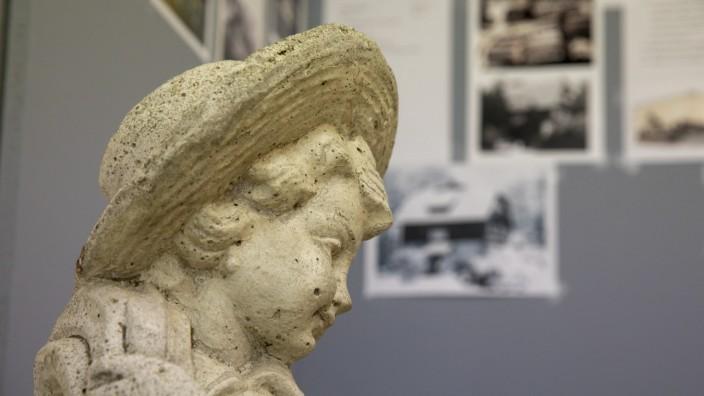 Ausstellung Postkarten Gemälde Fotos über Villen in Grafrath, Kulturraum der Gemeinde