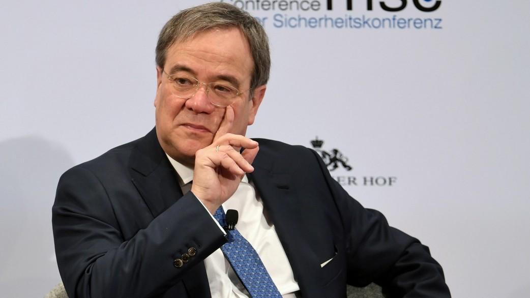 CDU: Armin Laschet kritisiert Merkels Europapolitik