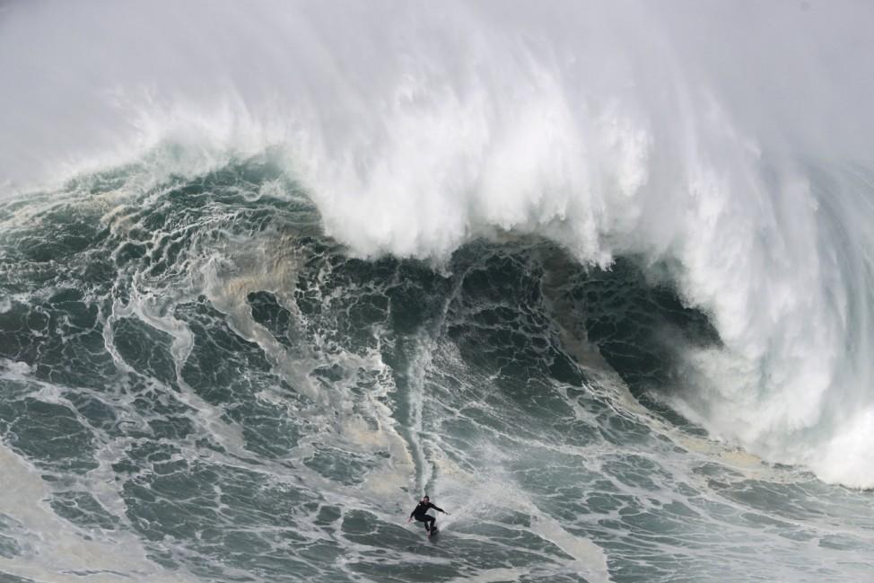 Surf-Wettbewerb in Portugal