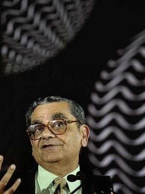 Jagdish Bhagwati, AP